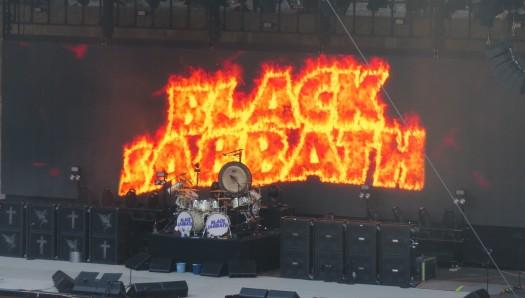 Black Sabbath letras fuego
