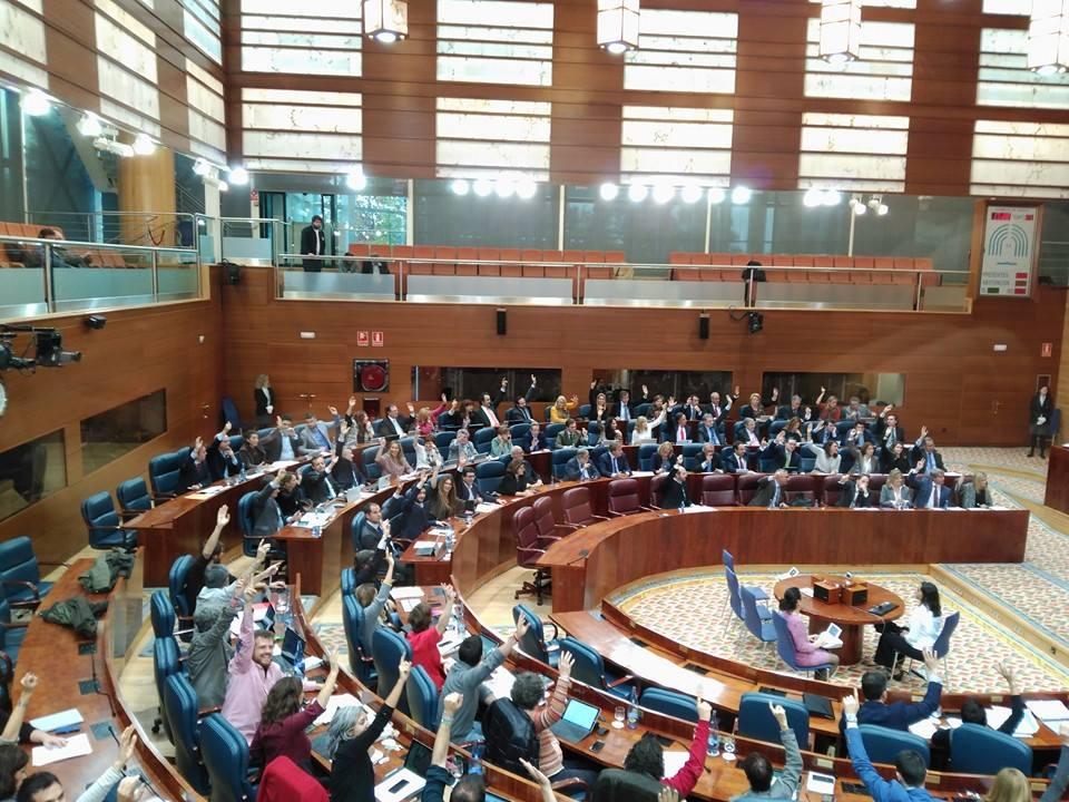 Aprobada la ley que permite el acceso de menores a las salas de conciertos de la capital