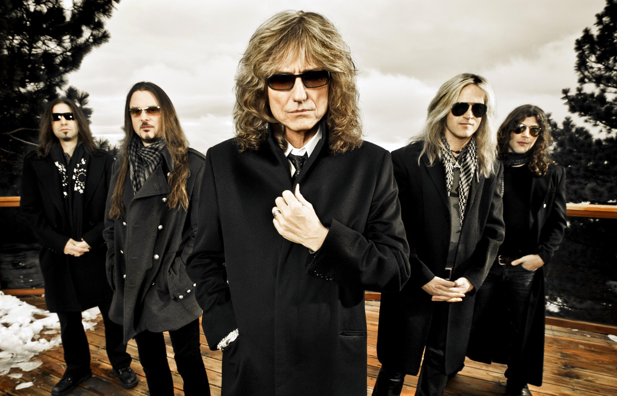 Whitesnake – Give Me All Your Love